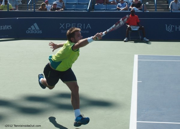Western and Southern Open Stanislas Wawrinka Stan stretch running forehand photos pictures
