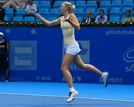 Brazil Gillette tour Maria Sharapova flying forehand pictures photos screencaps