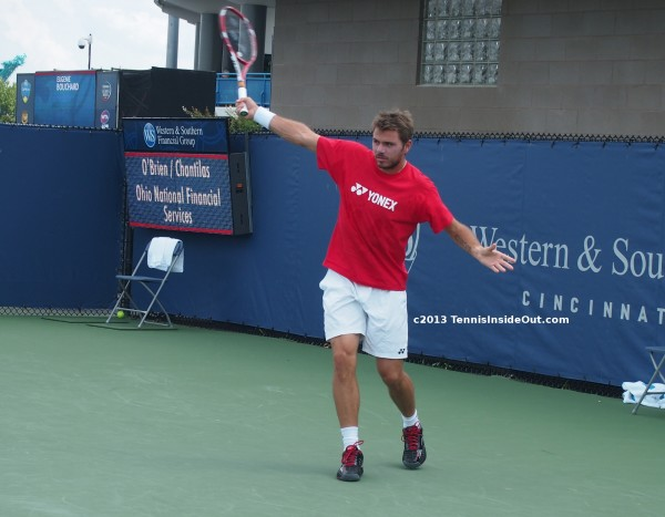 Stan Wawrinka one handed backhand winner red Yonex shirt Cincinnati Masters Open practice 2013 photos pictures hot