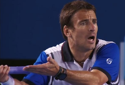 Stan <b>Tommy Robredo</b> match Aus Open 14 Tommy arguing gesturing overturned line <b>...</b> - Robredo-WTF-line-call-2-AO-14