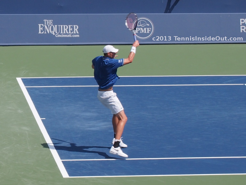 John Isner win over Novak Djokovic Cincinnati 2013 forehand aggressive inside baseline photos pics images