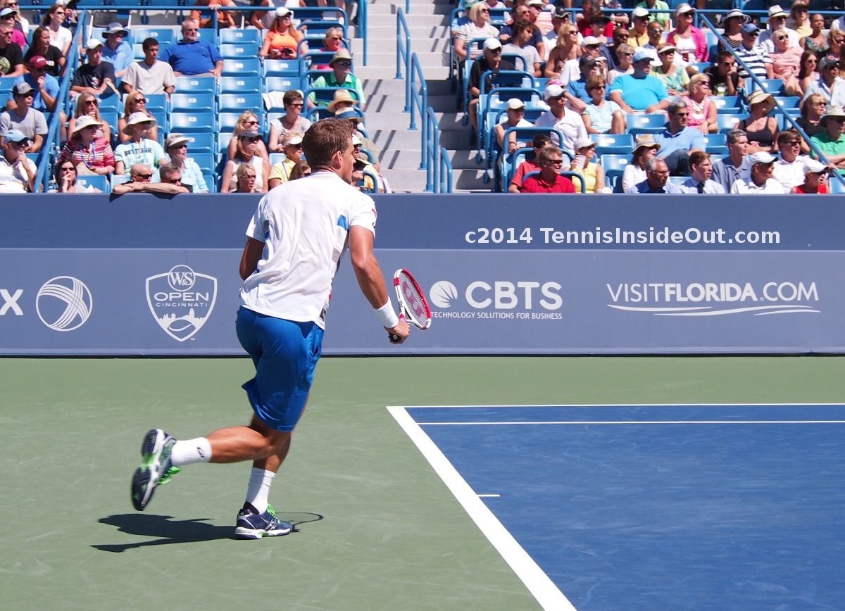 Vasek Pospisil running to net Federer match Western and Southern Cincy Masters photos pics images