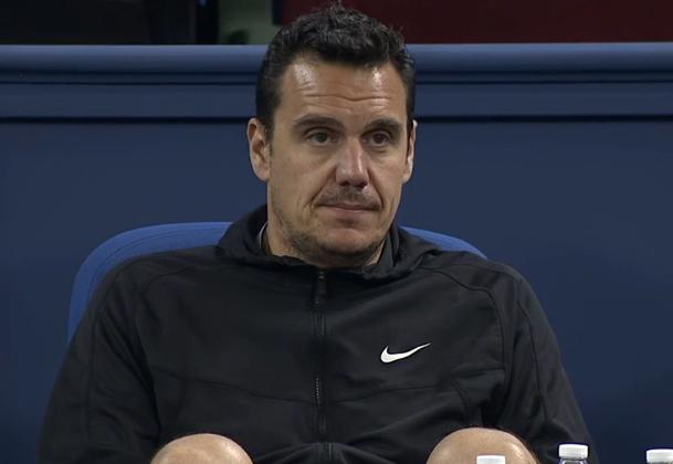 Stephane Vivier Grigor Dimitrov physio staring Shanghai Masters 2014 new
