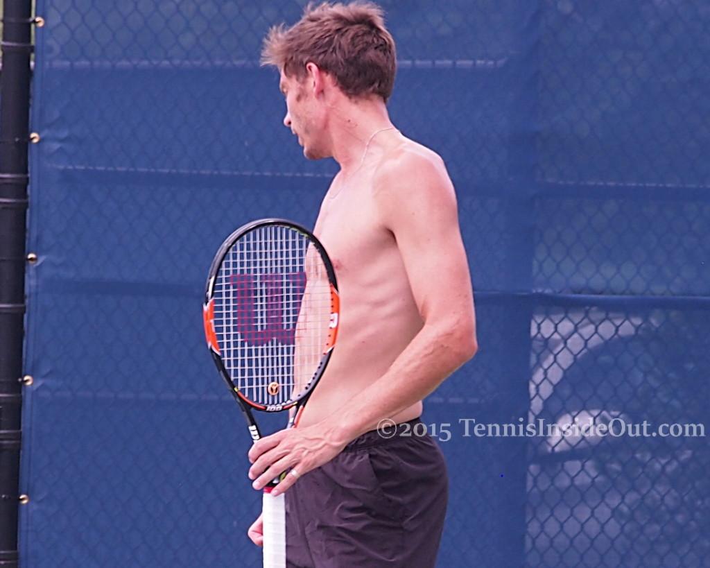 Sexy shirtless Nico Mahut Wilson racquet cute ass fluffy hair ribs abs muscles pecs cute tennis players Frenchies